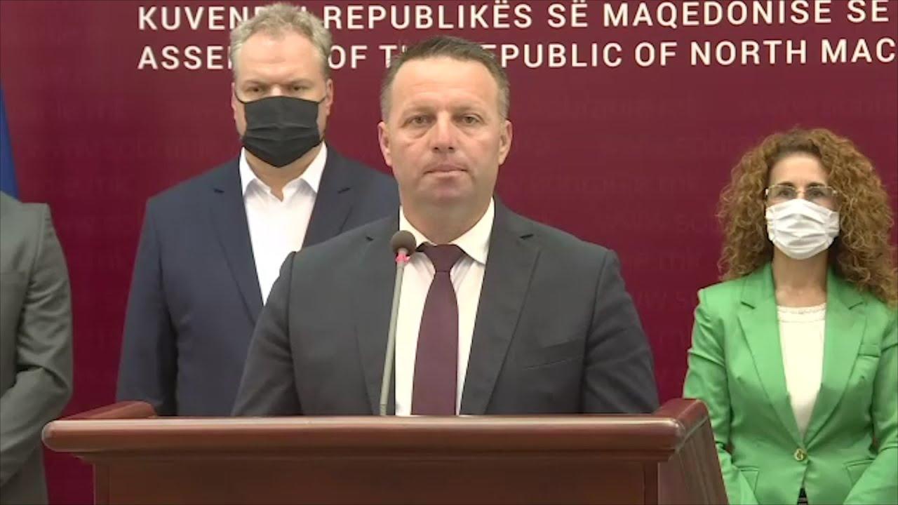 (Видео) Пратеникот Зоран Јованчев од Кавадарци  достави барање за надзорна расправа во Собранието за   откупот  на грозјето!