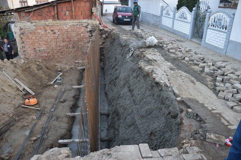 """Потпорен ѕид на ул. """"Боро Ваташки""""."""
